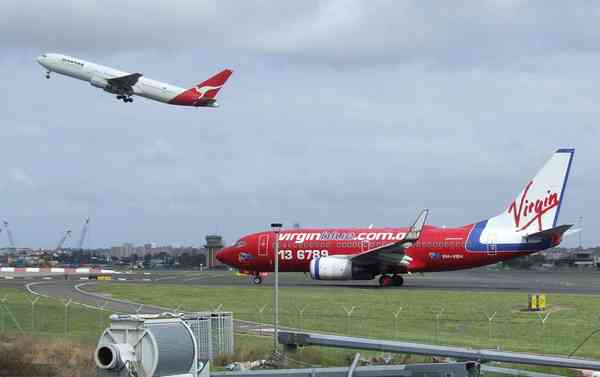 Qantas and Virgin Blue planes