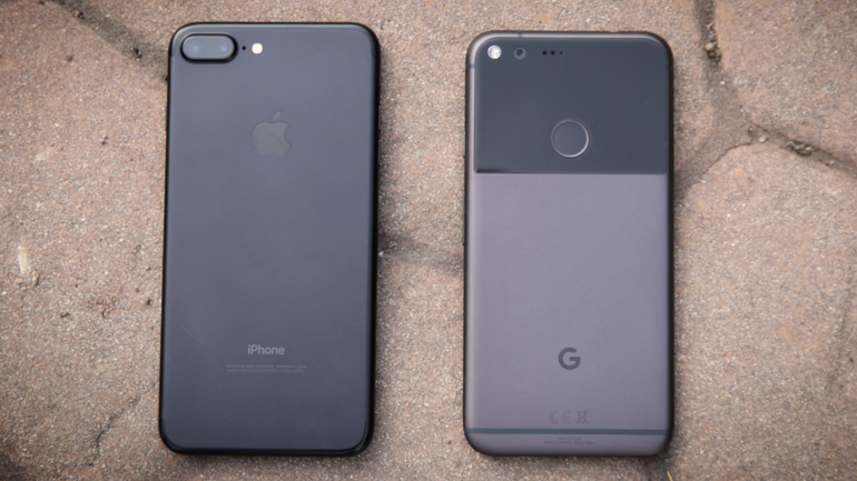 iPhone 7 Plus Google Pixel XL